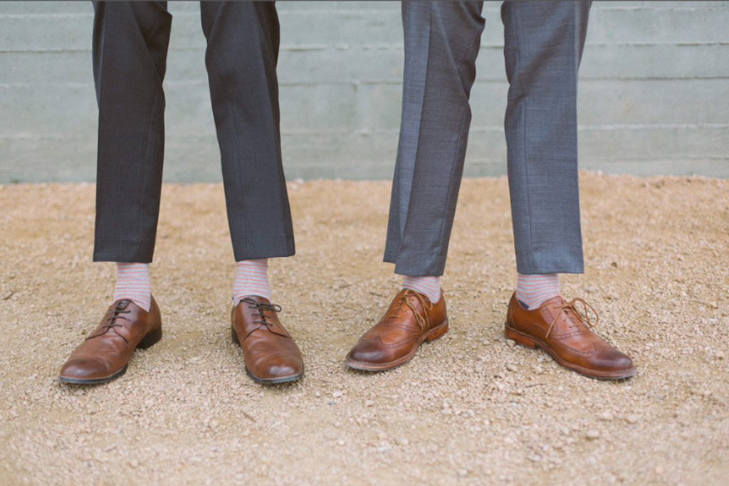 Groomsmen's gray suits with brown shoes